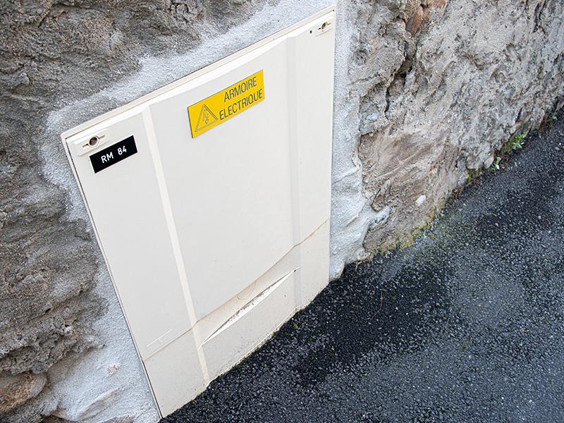 Plaque armoire électrique sur mesure