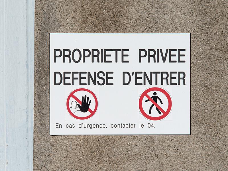 Plaque interdit d'entrer